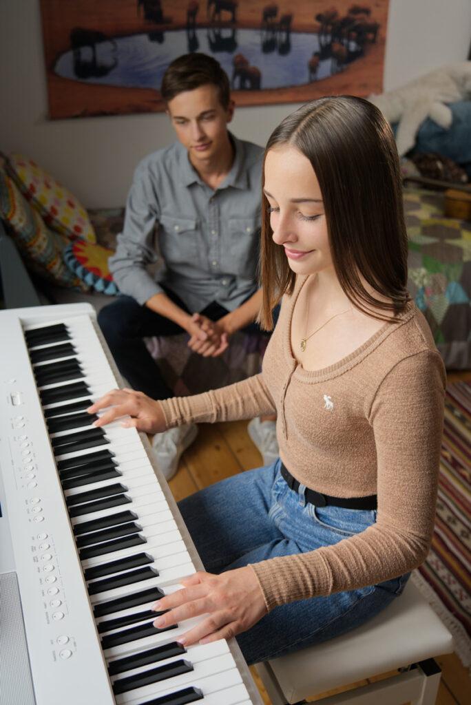 Kawai ES520 Piano